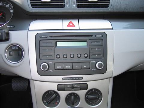 W Mega B6 Passat Radio Removal CH79